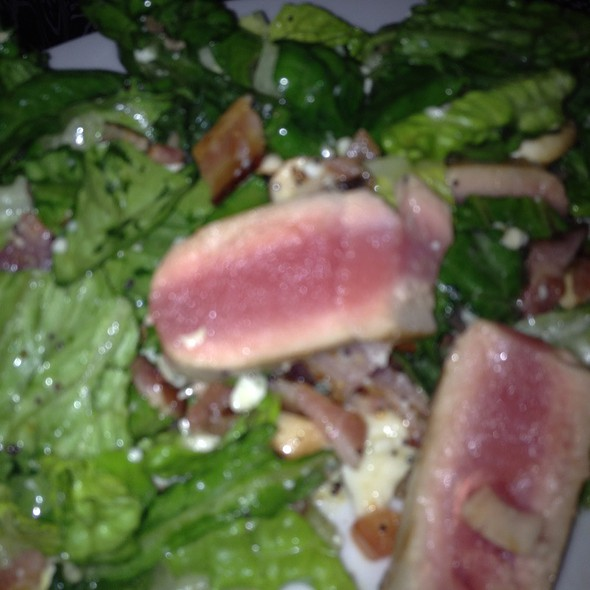 House Salad With Ahi Tuna @ Outside Inn