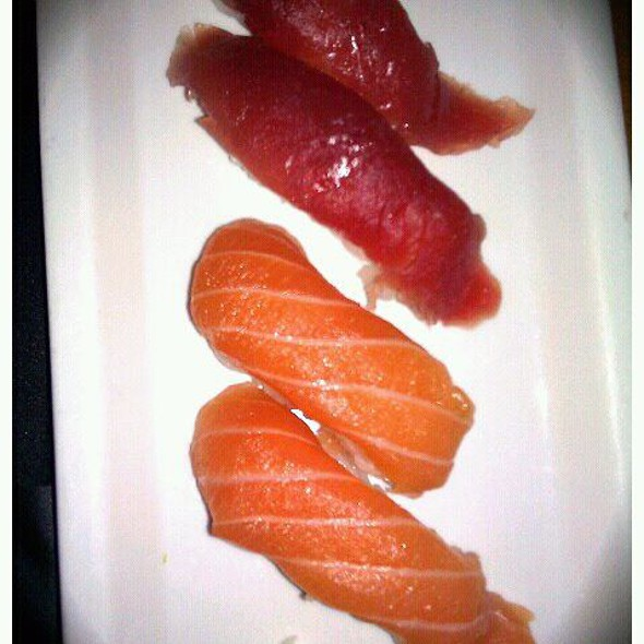 Salmon And Tuna Nigiri