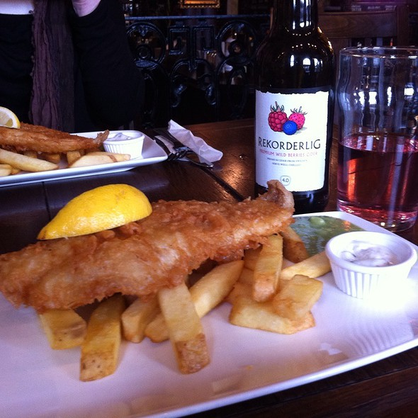 Cod Fish and chips @ Nicholson's Gastropub