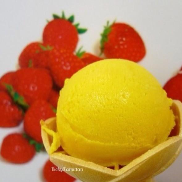Japanese Mango Ice Cream @ Isetan Hokkaido Food Fair