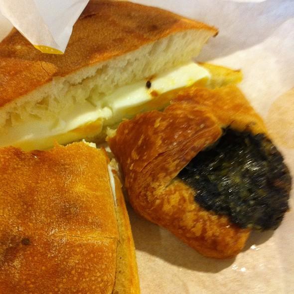 Spinach Croissant @ Au Bon Pain