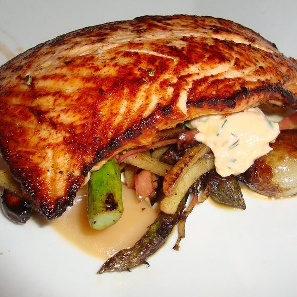 Salmon with Roasted Asparagus & Mushrooms