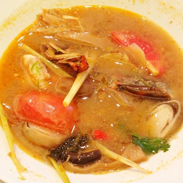 Tom Yum Goong (Prawn. Hot, Sour Broth) @ NAV Modern Thai Cuisine