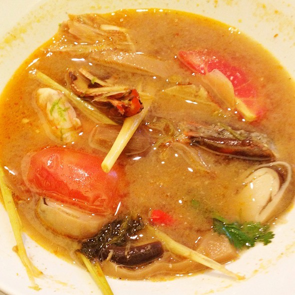 Tom Yum Goong (Prawn. Hot, Sour Broth) @ NAV Modern Thai Cuisine