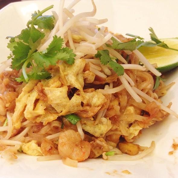 Pad Thai @ NAV Modern Thai Cuisine