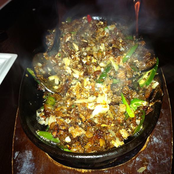 Sizzling Pork Sisig @ 7107 Flavours Philippine Cuisine