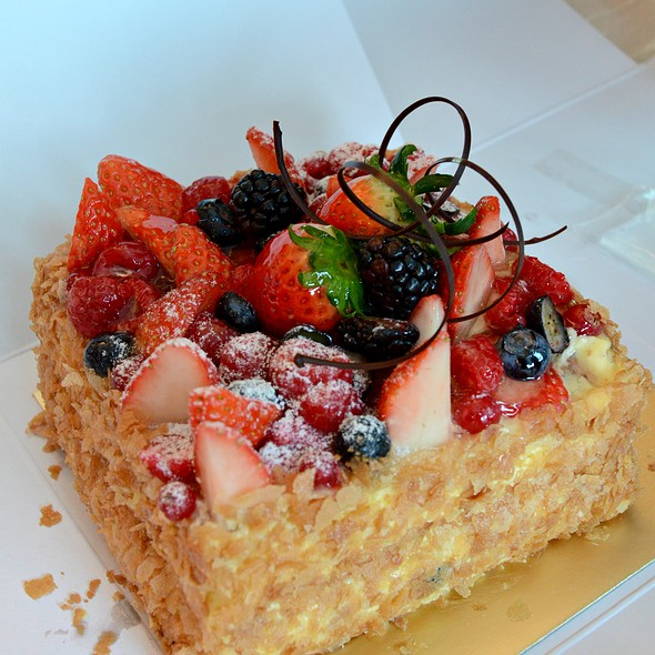 mixed berries Napoleon at Patisserie Tony Wong