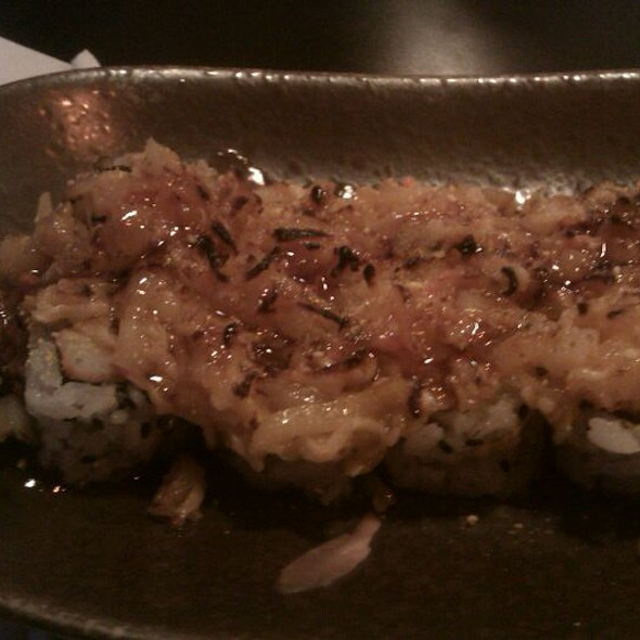 Baked scallop roll @ Sushi Cafe
