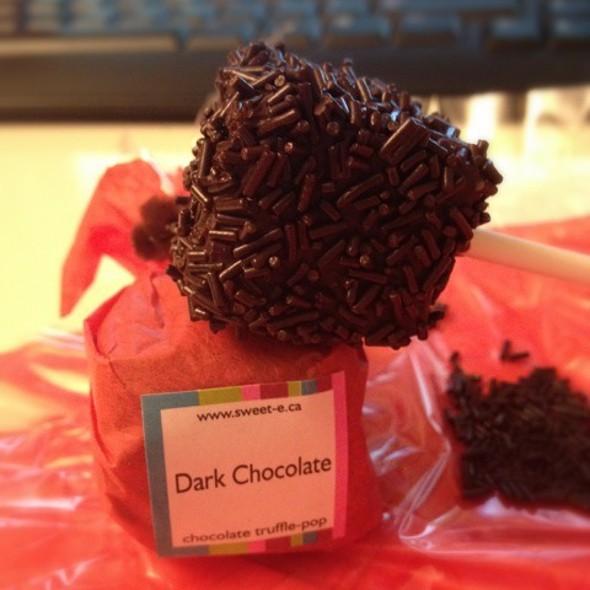 Dark Chocolate Truffle Pop