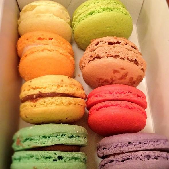 Macarons @ Bakery Nouveau