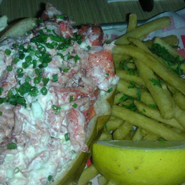 Lobster Roll (Sandwich) @ Woodhouse Fish Company