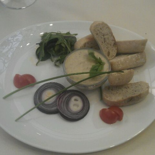 Porcini pate with baguette and salad @ Kakas Étterem