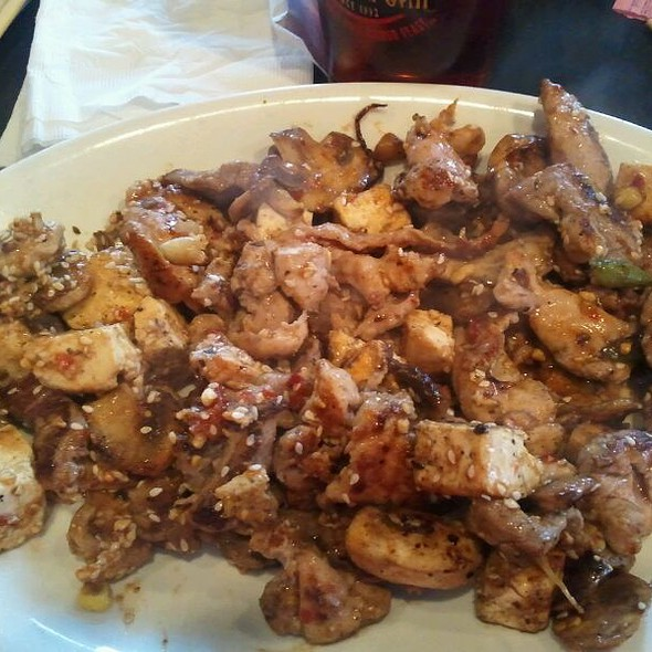 Duck And NY Strip With Tofu And Kung Pao Sauce @ BD'S Mongolian Barbeque