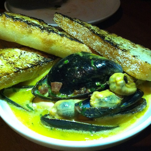 Mussels In A Butter Chili Broth @ Picca Peru