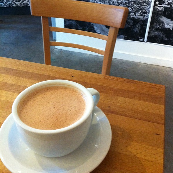 Hot Chocolate @ Voltage Coffee & Art
