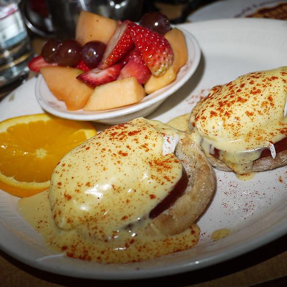 Lee's Eggs Benedict - Sears Fine Food, San Francisco, CA