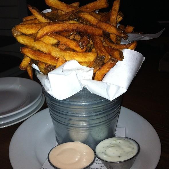 Pub Frites @ Leon's Full Service