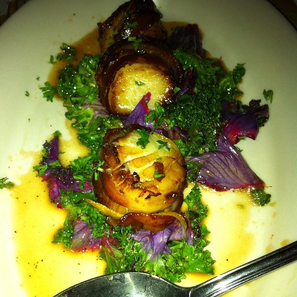 Bacon Wrapped Pan Seared Scallops With Lemon Marinated Kale @ Black Bottle Postern