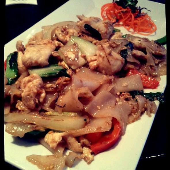 Pad Se-ew @ A+ Thai