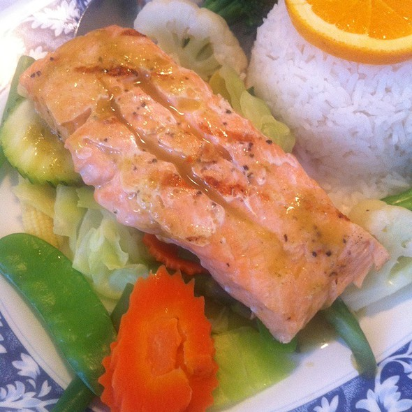 Lemon Peppered Salmon Steak @ Thai Satay