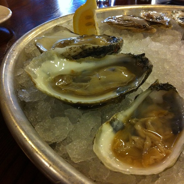 Watch House Oysters @ Table 3 Restaurant & Market