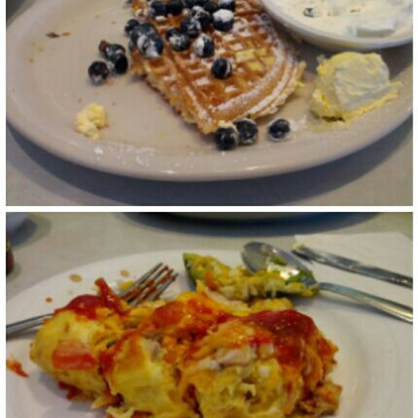 California Souffle Omelet And Blueberry Waffle  @ Country Inn Cafe
