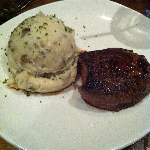 Outback Special With Garlic Mashed Potatoes