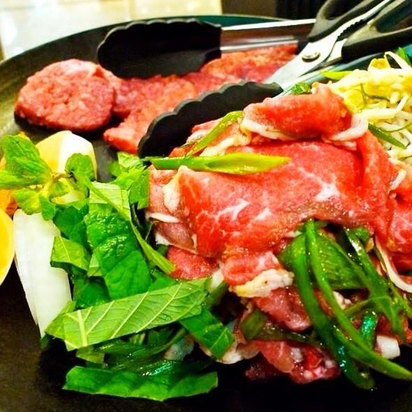 Bulgogi Brothers Special (Raw Meat) @ Bulgogi Brothers