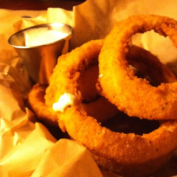 Salt And Pepper Onion Rings @ Ted's Montana Grill