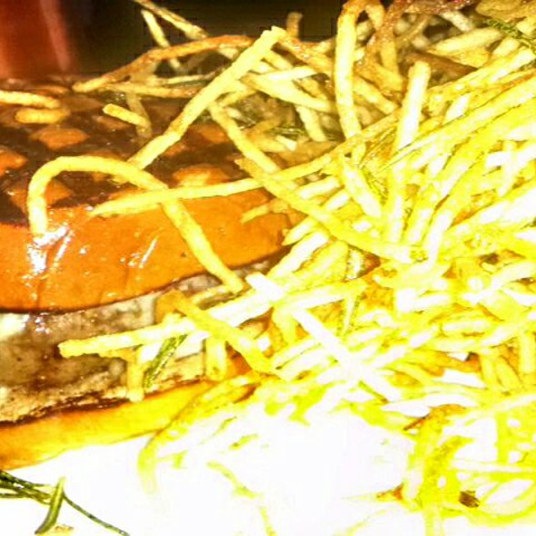 Chargrilled Burger With Roquefort Cheese And Shoestring Fries @ The Spotted Pig