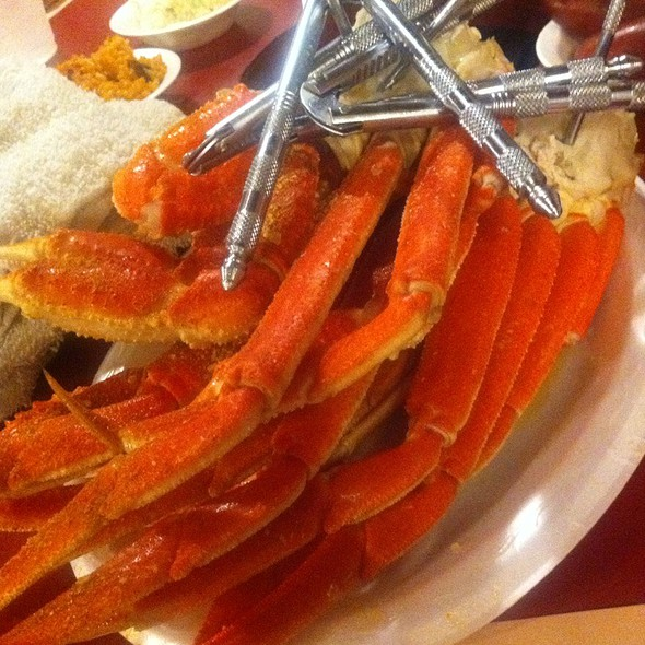 Two Pounds Of Crab Legs @ Shell Shack