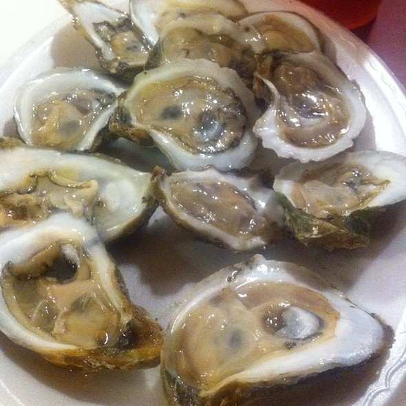 raw oysters @ Shell Shack