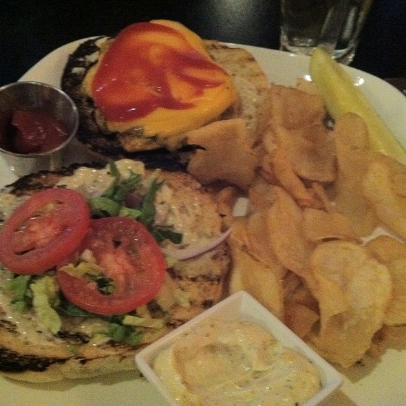 Gringo Burger - Hermanos Restaurant - Exchange District, Winnipeg, MB