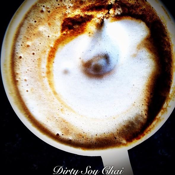 Dirty Soy Chai Latte @ Bean & Leaf