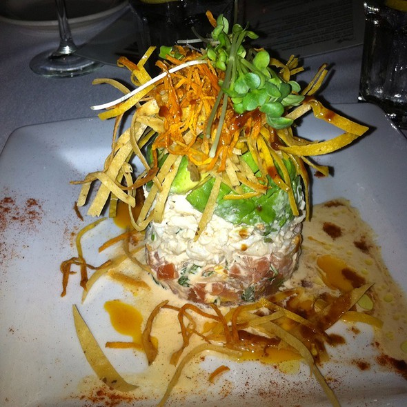 Avocado Lump Crab Tower @ Ruggles Grill