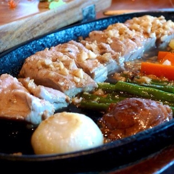 Sizzling Tuna @ Ryoshi Japanese Restaurant