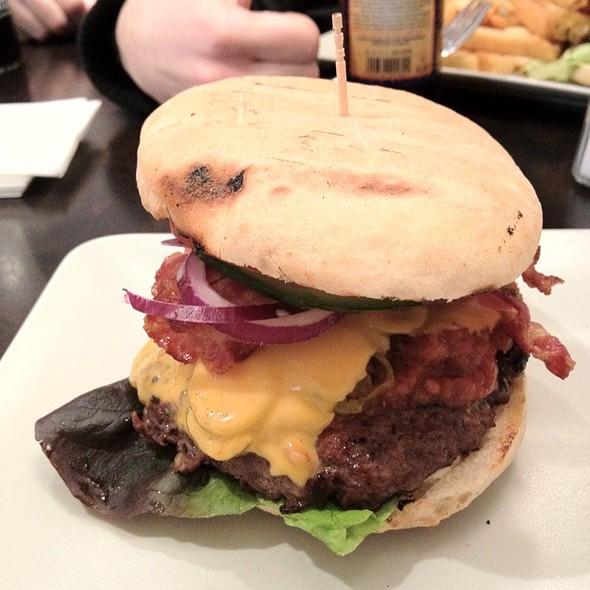 Chili-Cheeseburger @ Südstadt Burger