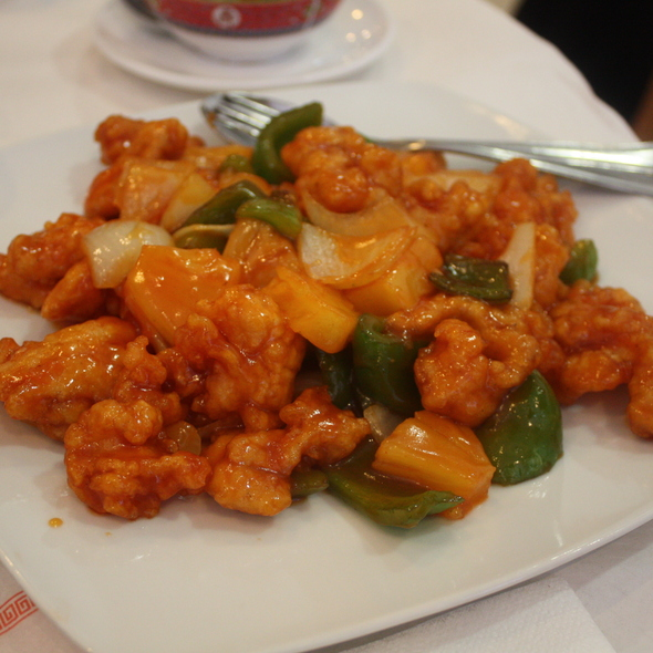 Sweet And Sour Chicken @ Hong Kong Grande Palácio
