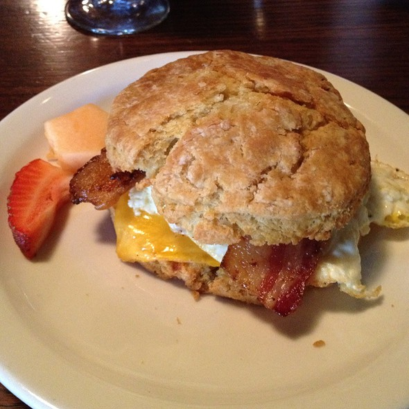 Breakfast Sandwich @ Front Porch