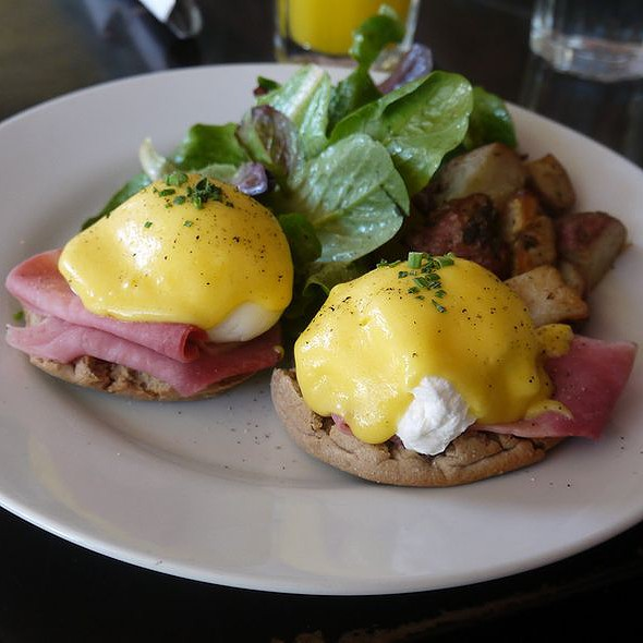 Eggs benedict & Black forest ham - La Bergamote, New York, NY