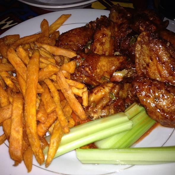 Wings @ The Cock N' Bull Pub