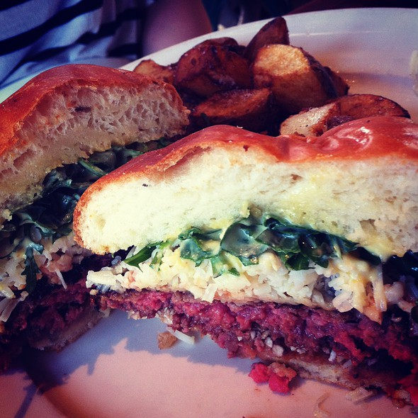 Cheeseburger @ Farmstead at Long Meadow Ranch