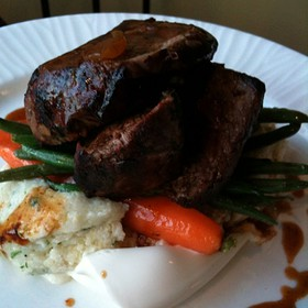 Sirloin And Grits With Marscapone Cheese