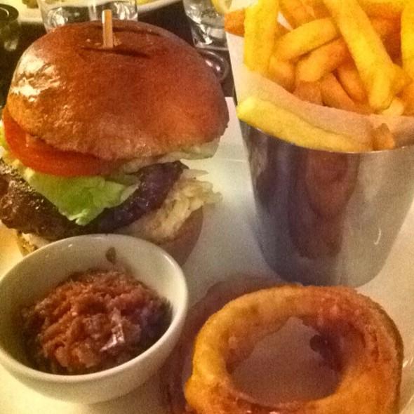 Burger @ plateau restaurant