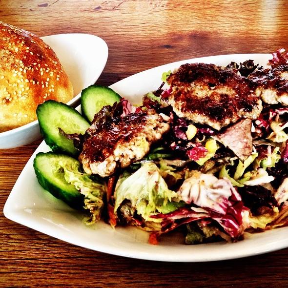 Köfteli Salata @ Bona'me