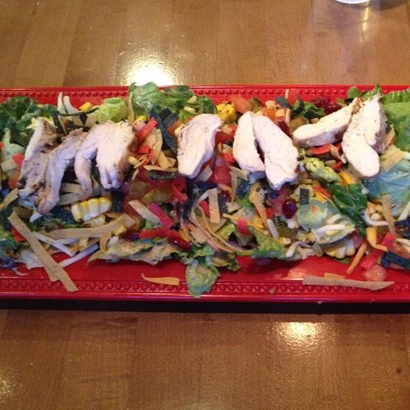 Southwest Chicken Salad @ f2o - fresh to order midtown