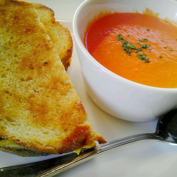 Grilled Cheese Sandwich & Tomato Soup - The Front Page - DC, Washington, DC