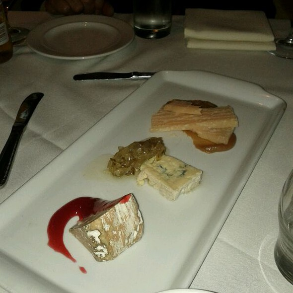 Cheese Plate @ M Restaurant at The Morris House Hotel