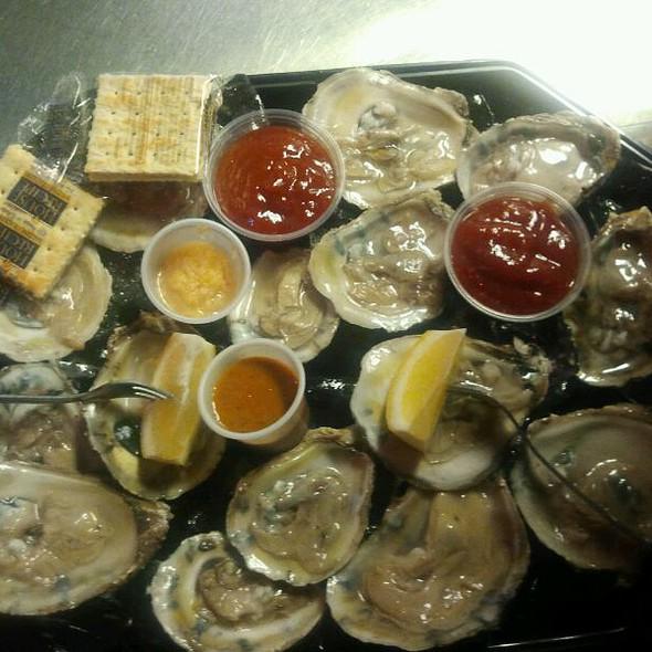 Oysters @ Nauti Mermaid