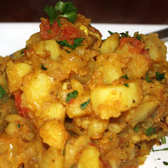 Aloo Tomatar Bhaji
